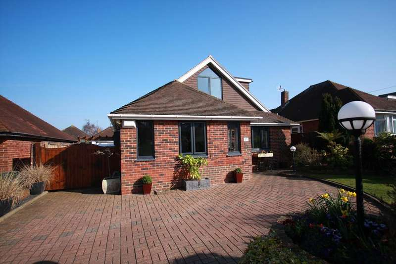 4 Bedrooms Detached House for sale in Downs Road, Eastbourne BN22