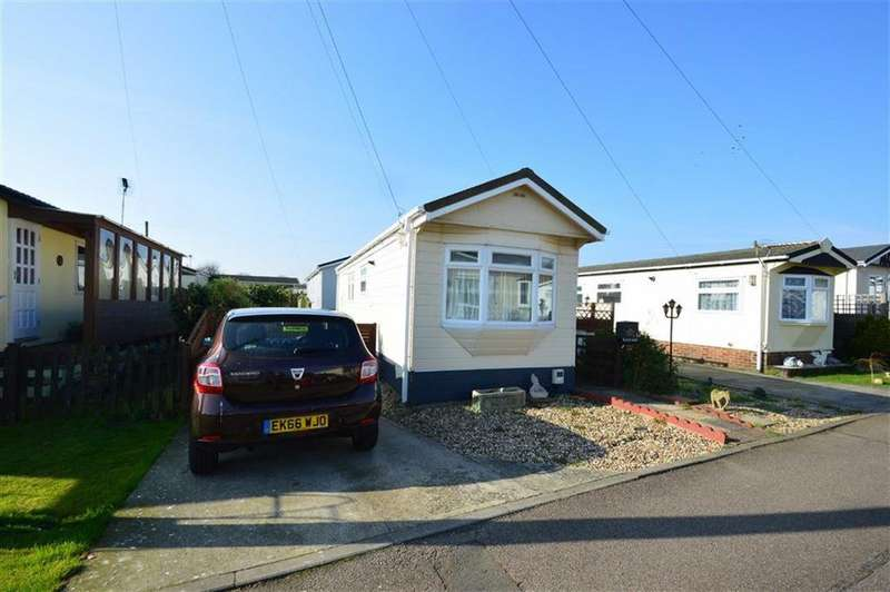 1 Bedroom Mobile Home for sale in Hockley Park, Hockley, Essex