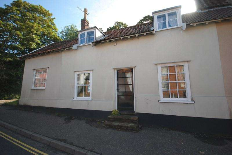 3 Bedrooms Terraced House for sale in The Street, Long Stratton, Norwich