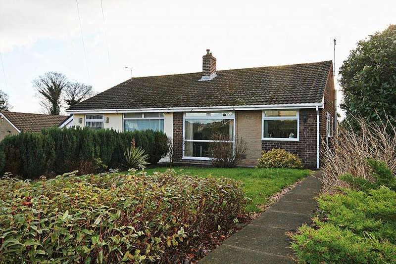 2 Bedrooms Bungalow for sale in Langley Lane, Baildon