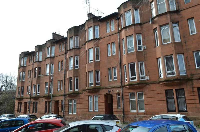1 Bedroom Flat for sale in Ettrick Place , Flat 2/2, Shawlands , Glasgow, G43 1UB