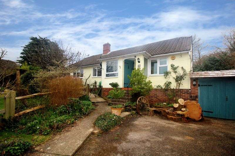 3 Bedrooms Detached Bungalow for sale in Maypole Road, Ashurst Wood, East Grinstead