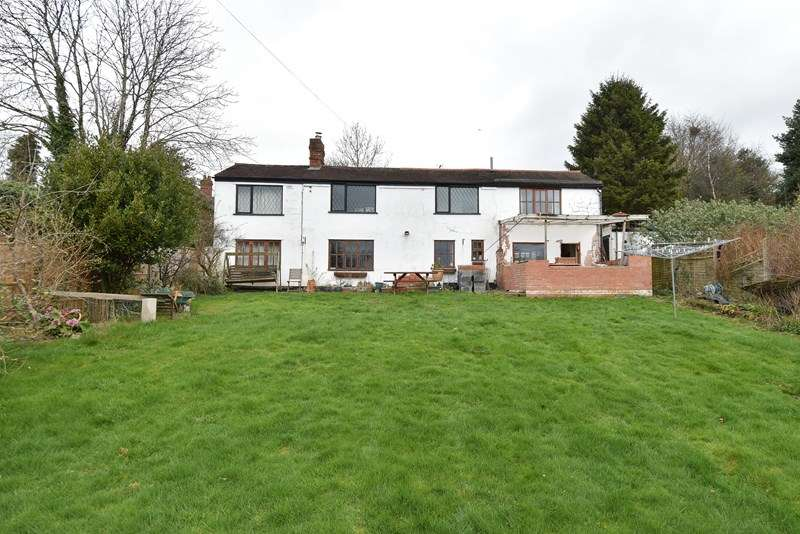 3 Bedrooms Country House Character Property for sale in Lickey Rock, Bromsgrove