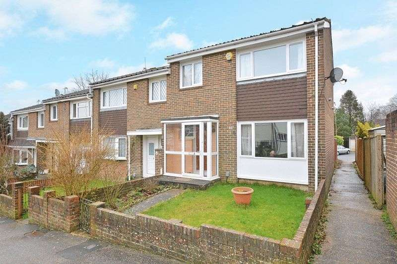 3 Bedrooms Terraced House for sale in Selsey Road, Broadfield, CRAWLEY