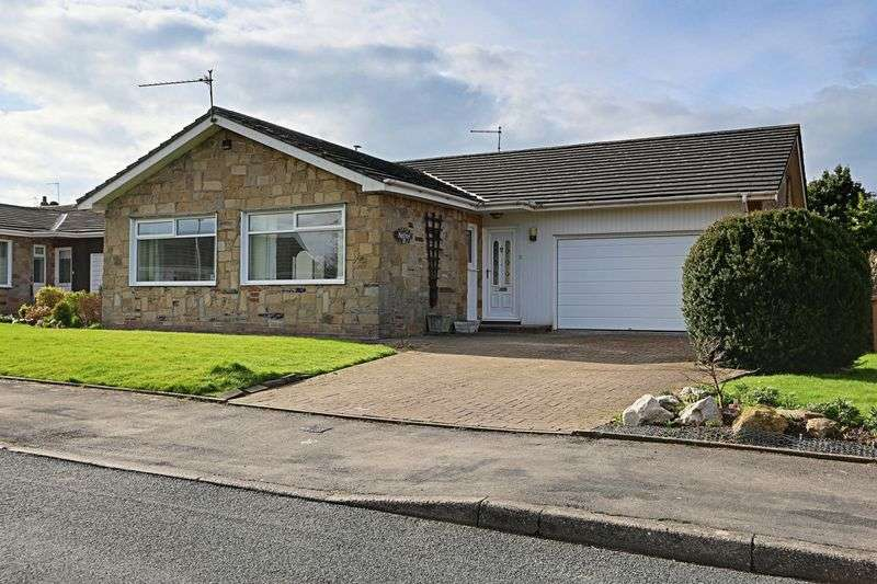 3 Bedrooms Detached Bungalow for sale in The Lawns, Beverley