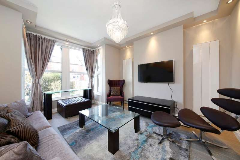 3 Bedrooms Flat for sale in Clive Road, West Dulwich, London, SE21 8BP