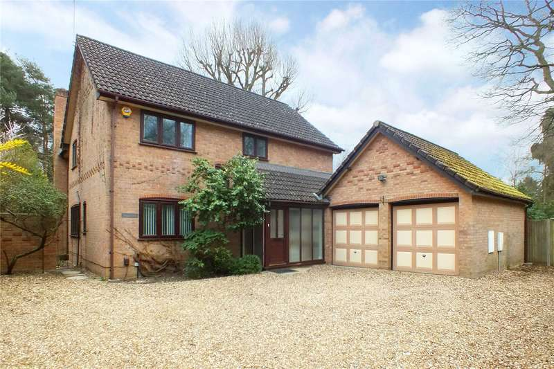 4 Bedrooms Detached House for sale in Hitches Lane, Fleet, GU51