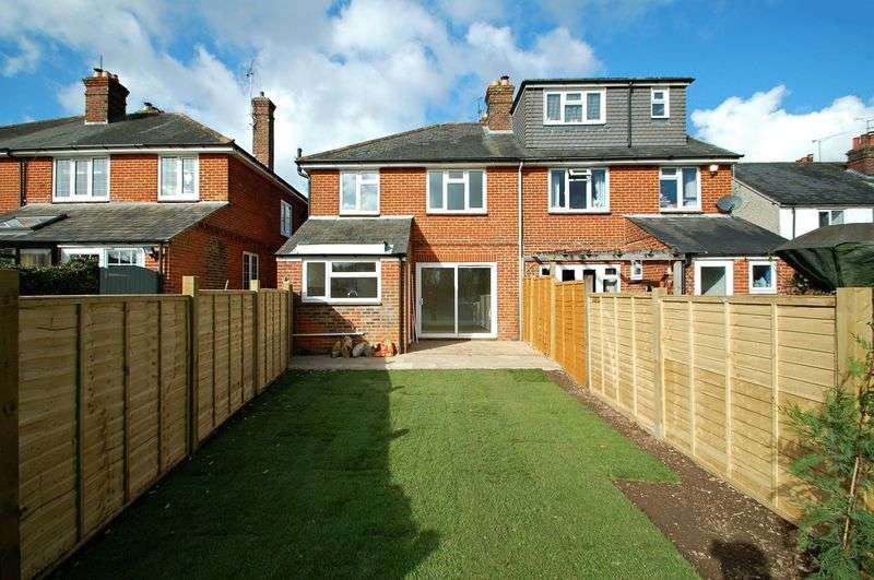 3 Bedrooms Semi Detached House for sale in The Causeway, PETERSFIELD, Hampshire
