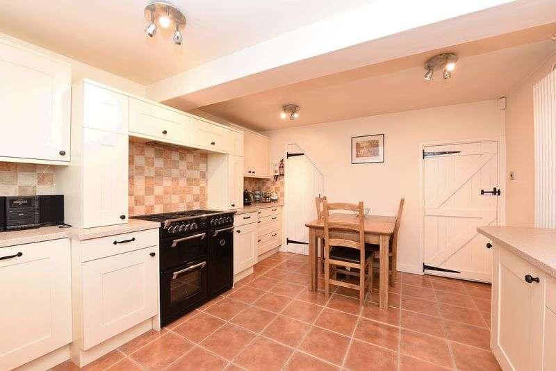 2 Bedrooms Terraced House for sale in Goddards Lane, Sherfield On Loddon