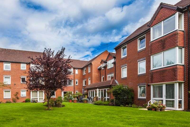 1 Bedroom Flat for sale in Beechwood Court, Tettenhall, Wolverhampton