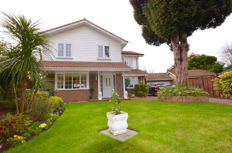 4 Bedrooms Detached House for sale in Sunbury On Thames tw16