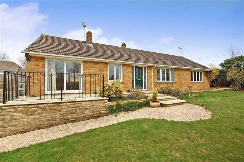 4 Bedrooms Detached Bungalow for sale in Brown Leaves, Hollow Street, Great Somerford
