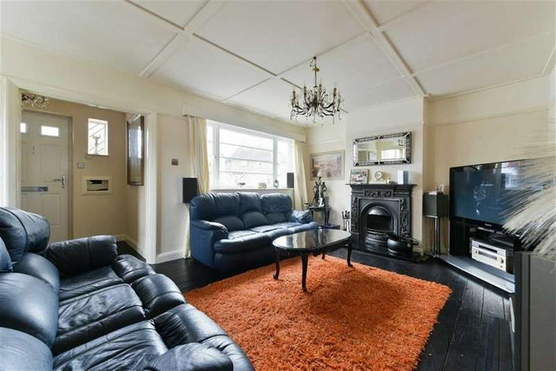 3 Bedrooms Semi Detached House for sale in Duncan Road, Tadworth, Surrey