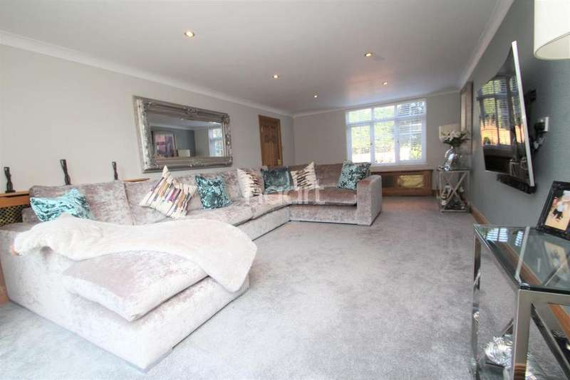 5 Bedrooms Detached House for sale in Burnham