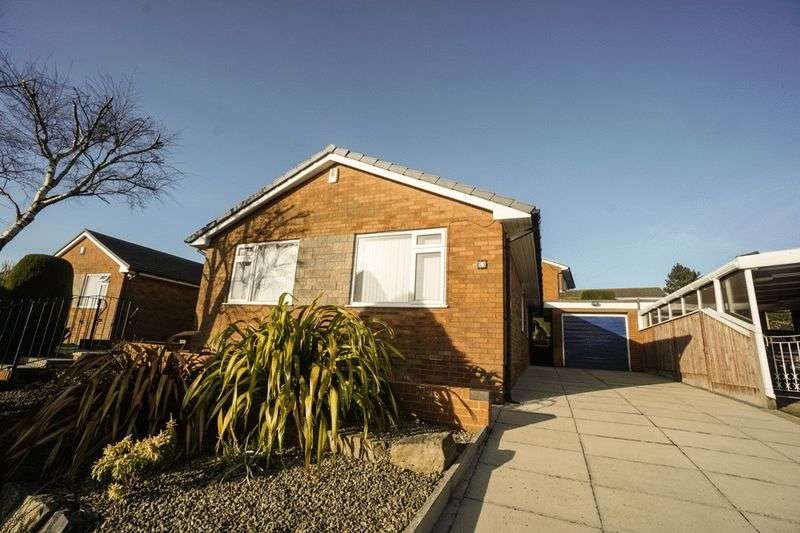 3 Bedrooms Detached Bungalow for sale in Pennine Road, Horwich