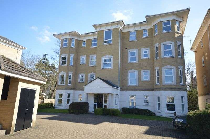 2 Bedrooms Flat for sale in Penners Gardens, Surbiton