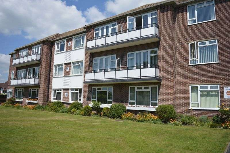 2 Bedrooms Flat for sale in Imperial Avenue, Westcliff-On-Sea