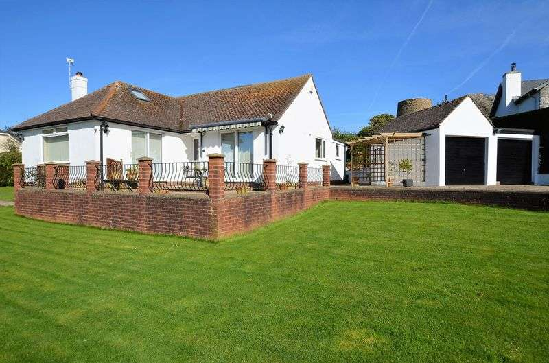 2 Bedrooms Bungalow for sale in HIGHER WARBOROUGH ROAD, GALMPTON, BRIXHAM.