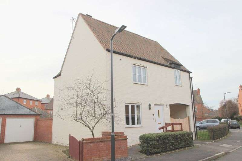 3 Bedrooms Semi Detached House for sale in Barrie Close, Stratford-Upon-Avon