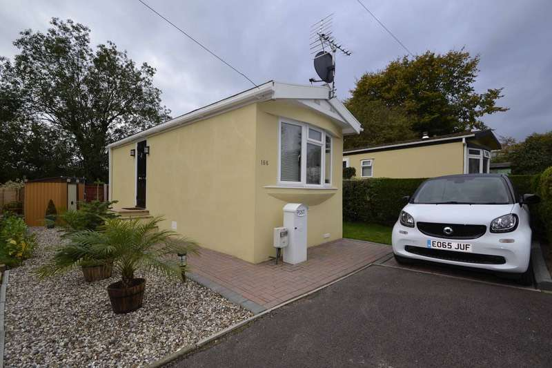 1 Bedroom Mobile Home for sale in Bakers Lane, Chelmsford, Essex, CM2