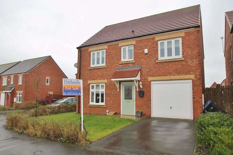 4 Bedrooms Detached House for sale in 49 Raines Court, Longlands