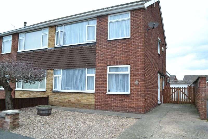 3 Bedrooms Semi Detached House for sale in York Avenue, Bottesford