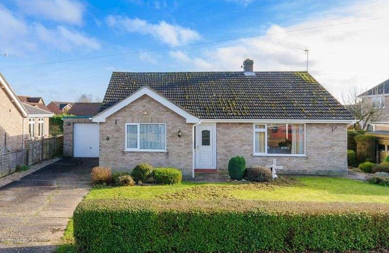 3 Bedrooms Detached Bungalow for sale in Low Toynton Close, Horncastle