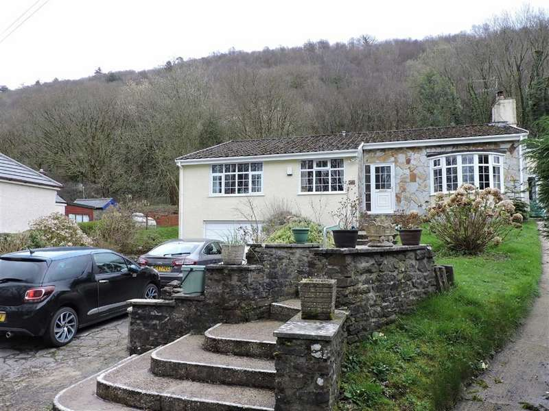 4 Bedrooms Property for sale in Llwyndu Lane, Glais