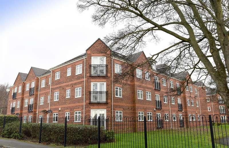 3 Bedrooms Flat for sale in Brackenhurst Place, Moortown, Leeds, LS17 6WD