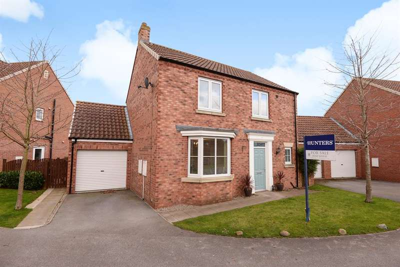 3 Bedrooms Detached House for sale in Lockwood Lane, Easingwold, York, YO61 3GN
