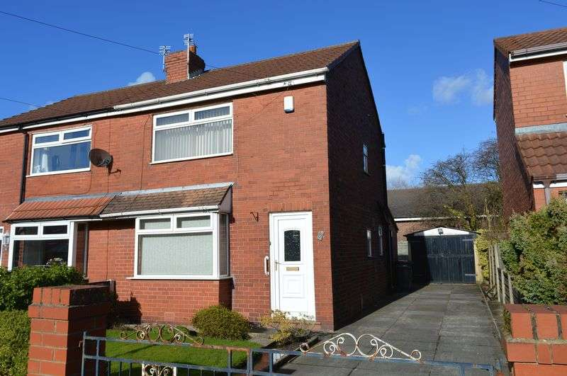 2 Bedrooms Semi Detached House for sale in Newlands Drive, Lowton, Warrington
