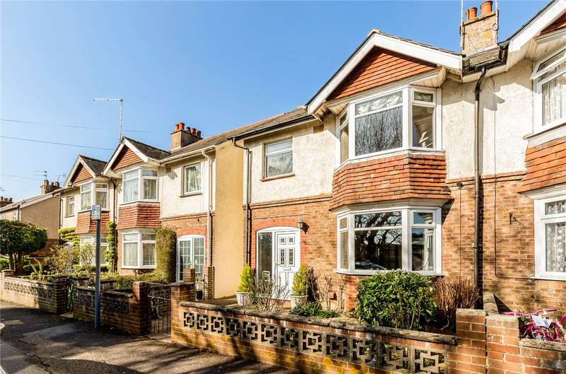 3 Bedrooms Semi Detached House for sale in Kingsham Road, Chichester, West Sussex, PO19