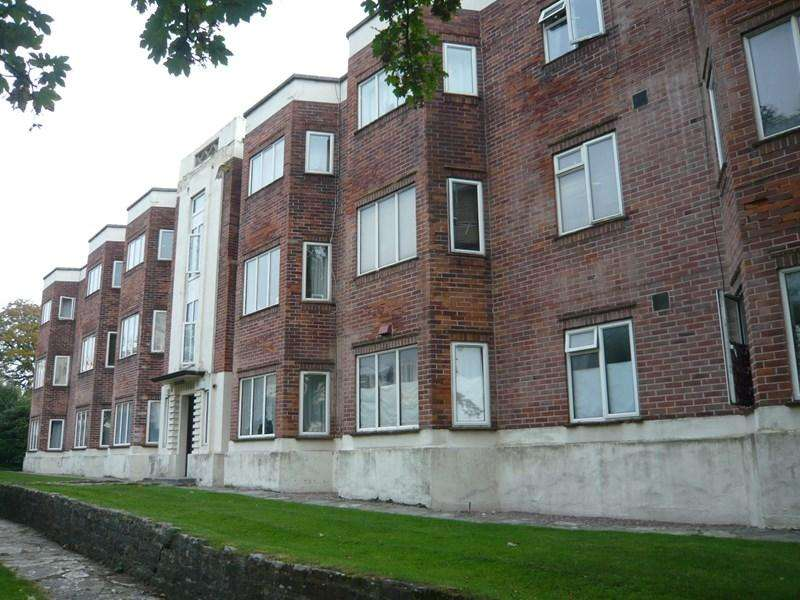 3 Bedrooms Apartment Flat for rent in Bath Road, Bournemouth