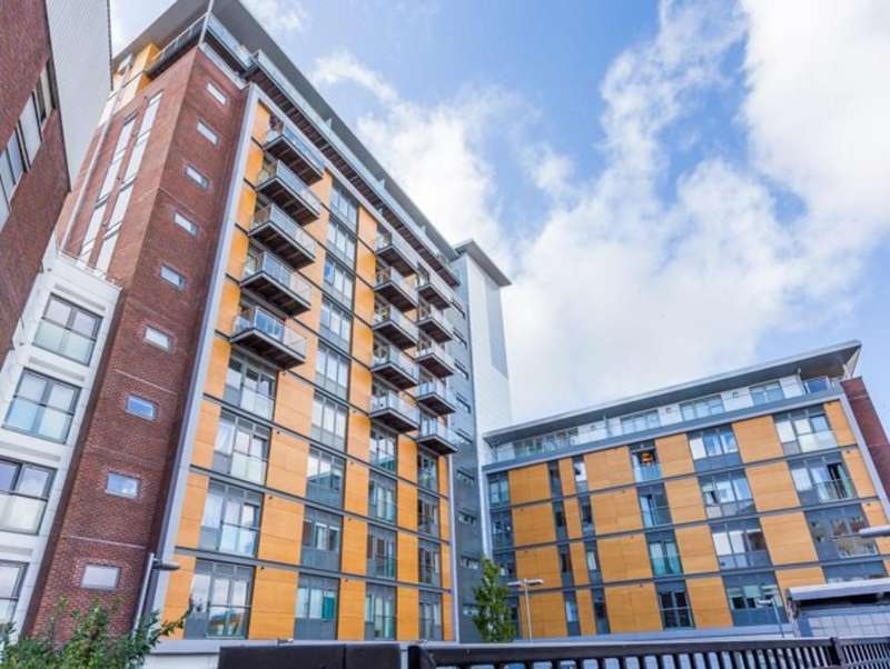 2 Bedrooms Apartment Flat for sale in 41 High Street