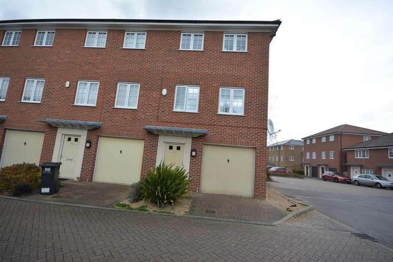 3 Bedrooms Town House for sale in Lamberts Orchard, Braintree, Essex, CM7