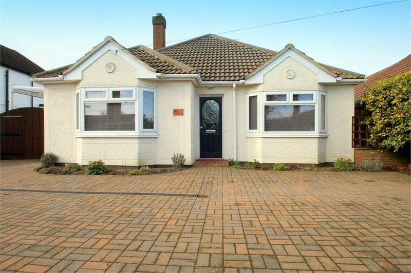 3 Bedrooms Detached Bungalow for sale in Straight Road, Colchester, Essex