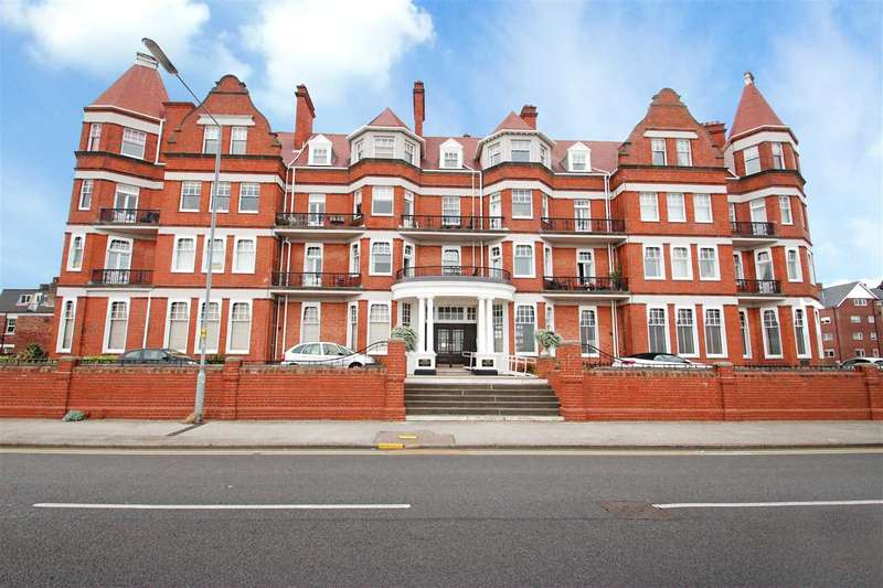 2 Bedrooms Apartment Flat for sale in The Grand, Marine Parade East, East Clacton