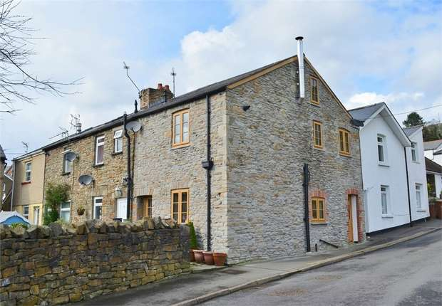 2 Bedrooms Cottage House for sale in Church Street, Machen, CAERPHILLY