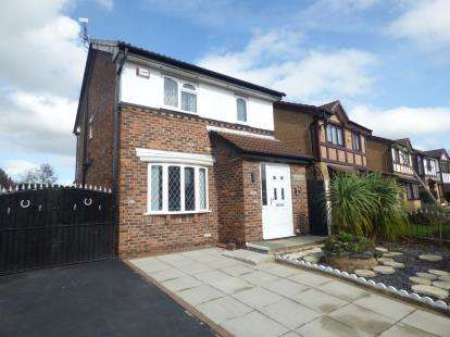 3 Bedrooms Detached House for sale in Ravenfield Drive, Widnes, Cheshire, WA8
