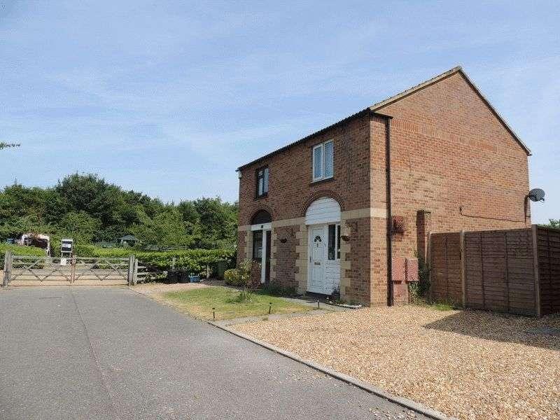 2 Bedrooms Semi Detached House for sale in Dolben Court, Willen, Milton Keynes