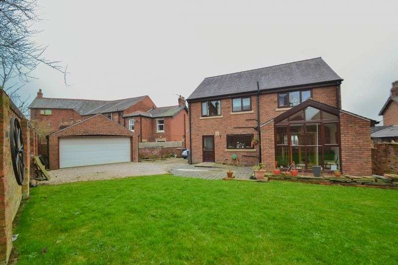 4 Bedrooms Detached House for sale in Liverpool Old Road, Walmer Bridge
