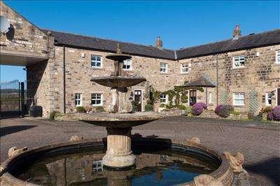 2 Bedrooms Detached House for sale in Bridge Court, Harewood, LEEDS, West Yorkshire, LS17 9LW