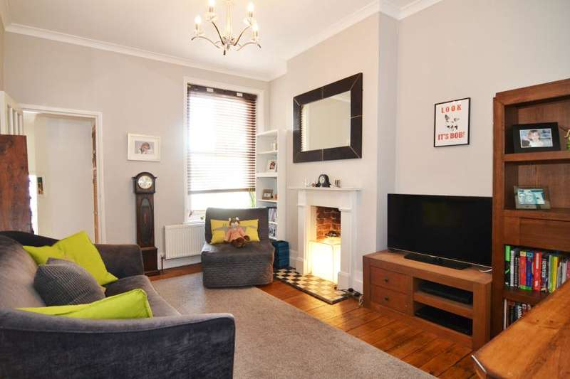 2 Bedrooms Flat for sale in High Street, Teddington