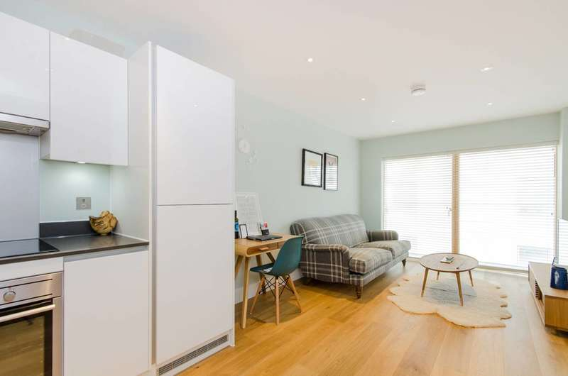 1 Bedroom Flat for sale in Streatham Common, Streatham Common, SW16