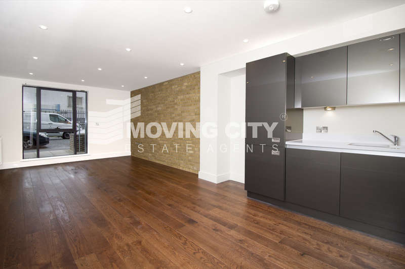 2 Bedrooms Flat for sale in Jupiter House, St. Luke's Square, Canning Town