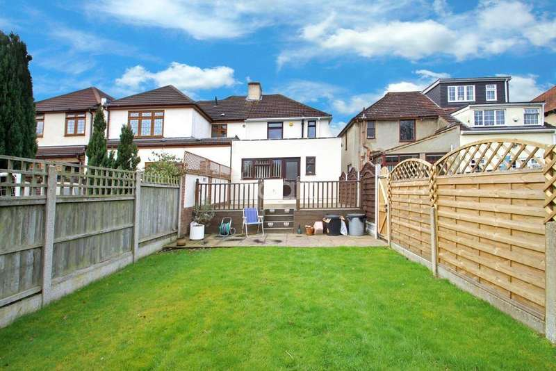 3 Bedrooms Semi Detached House for sale in Northumberland Avenue