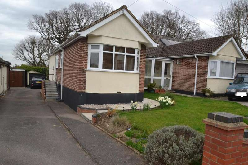 2 Bedrooms Chalet House for sale in Beverley Rise, Billericay, Essex, CM11