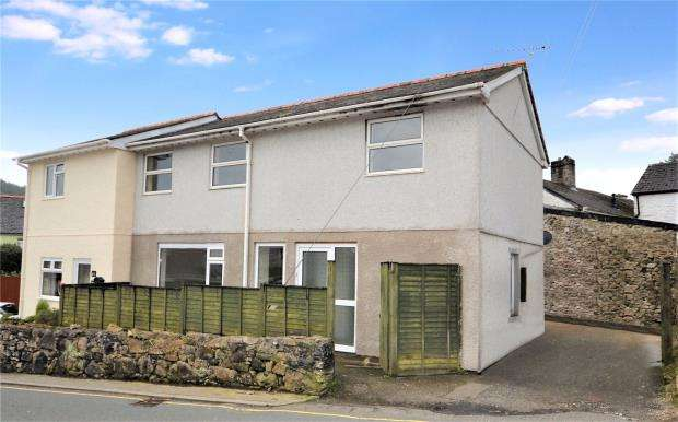 3 Bedrooms Semi Detached House for sale in Chapel Court, Chapel Street, Gunnislake, Cornwall