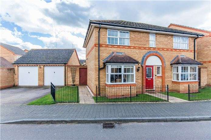 4 Bedrooms Detached House for sale in Woodlark Drive, Cottenham, Cambridge