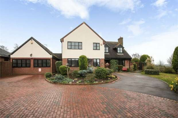 6 Bedrooms Detached House for sale in High Street, Dunton, Biggleswade, Bedfordshire
